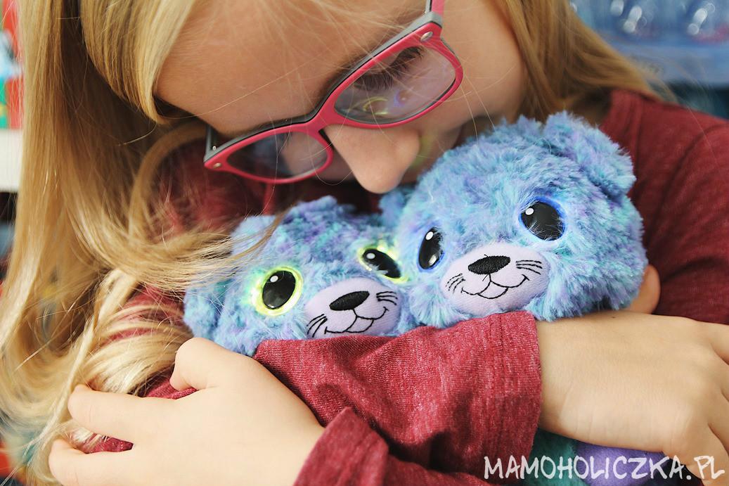 bliźnięta, gang, hatchimals, przytulanka, zabawka, zabawka interaktywna, zabawka dla dziecka 6 lat